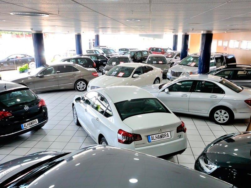 Concesionarios y taller oficial mercedes en madrid for Mercedes benz alhambra