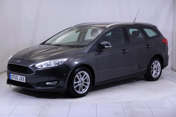 Ford Focus SPORTBREAK 1.0 ECOBOOST BUSINESS de segunda mano - Frontal lateral izquierdo