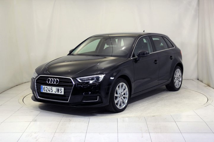 Audi A3 SPORTBACK 1.6 TDI CLEAN D ATTRACTION de segunda mano - Frontal lateral izquierdo