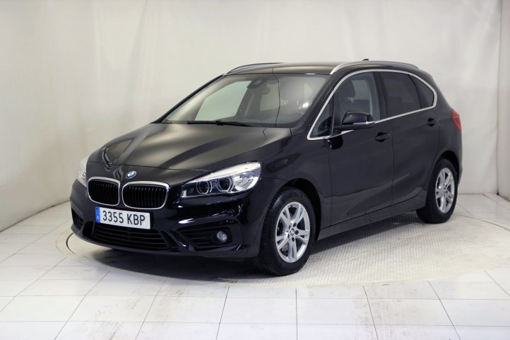Bmw Serie 2 Active Tourer 218D ADVANTAGE de segunda mano - Frontal lateral izquierdo