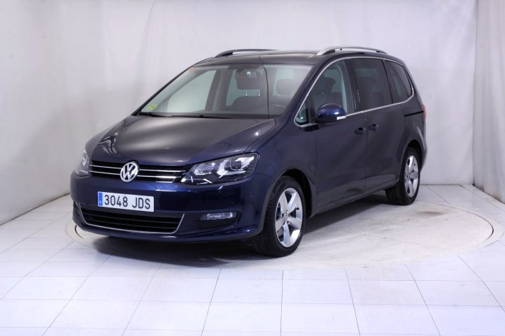 Volkswagen Sharan 2.0 TDI 140 DSG ADVANCE BLUEMOTION 7 PLAZAS AUTO de segunda mano - Frontal lateral izquierdo