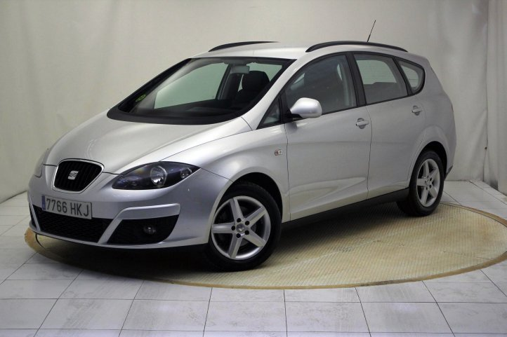 Seat Altea Xl 1.6 TDI 105 PS E-ECOMOTIVE REFERENCE 5P de segunda mano - Frontal lateral izquierdo