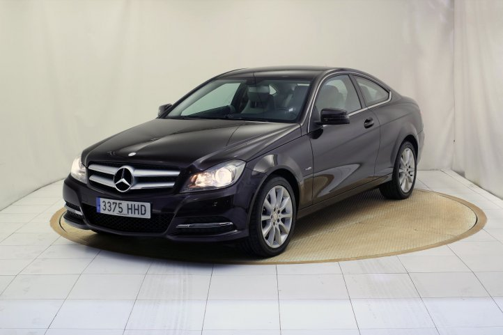Mercedes-Benz Clase C 350 COUPE BLUE EFFICIENCY AUTO de segunda mano - Frontal lateral izquierdo