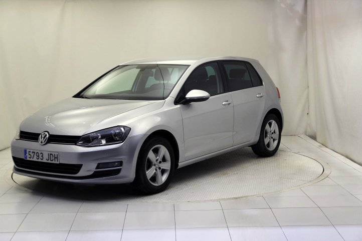 Volkswagen Golf 1.6 TDI CR BMT ADVANCE de segunda mano - Frontal lateral izquierdo