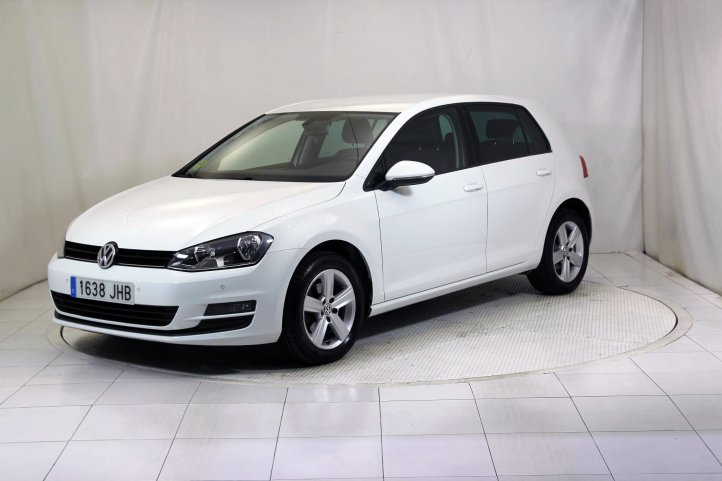 Volkswagen Golf 1.6 TDI ADVANCE BLUEMOTION TECH 5P de segunda mano - Frontal lateral izquierdo