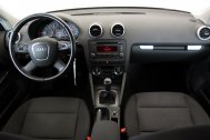 Audi A3 1.6 TDI ATTRACTION de segunda mano - Foto 10