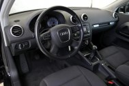 Audi A3 1.6 TDI ATTRACTION de segunda mano - Foto 19